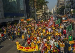 Servidores do Judiciário rejeitam reajuste definido por STF e continuam em greve